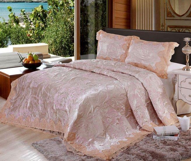 Элитное постельное белье и покрывала, blumarine